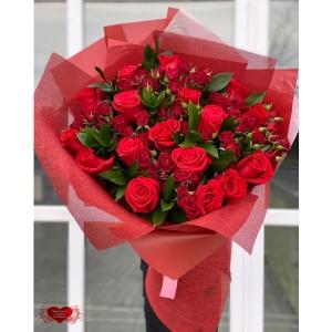 Купить букет «Алые розы» с доставкой в Комсомольске-на-Амуре