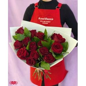 Купить букет из 15 бордовых роз с доставкой в Комсомольске-на-Амуре