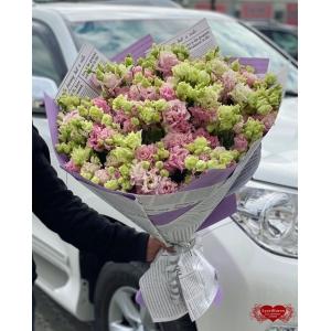 Купить букет из 25 розовых лизиантусов с доставкой в Комсомольске-на-Амуре