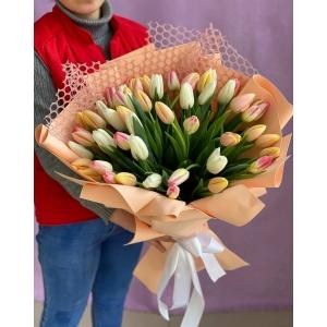Купить букет «Нежный микс из тюльпанов» с доставкой в [r-seoseo-city-name-pp]