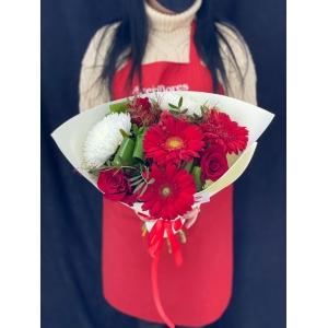 Купить букет «Танго вдвоём» с доставкой в Комсомольске-на-Амуре
