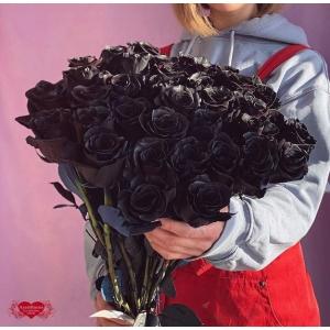 Купить охапку из 51 чёрные розы с доставкой в Комсомольске-на-Амуре