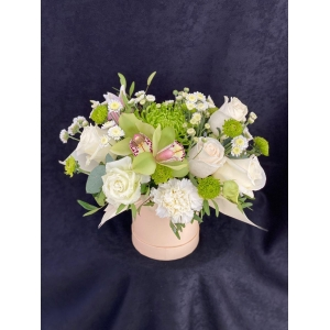 Купить коробка цветов «Лайм» с доставкой в Комсомольске-на-Амуре