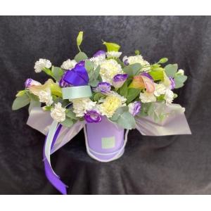 Купить коробку цветов «Лавандовый берег» с доставкой в Комсомольске-на-Амуре