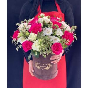 Купить коробку цветов «Мелисса» с доставкой в Комсомольске-на-Амуре