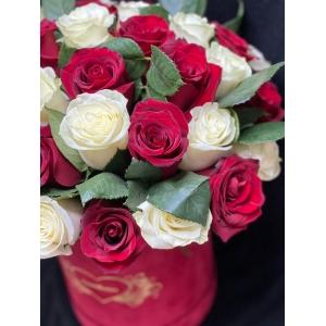 Купить коробку цветов «Любовный напиток» с доставкой в Комсомольске-на-Амуре