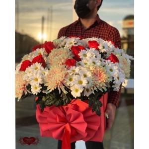 Купить коробку цветов «Закат» с доставкой в Комсомольске-на-Амуре