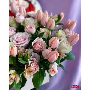 Купить розовые розы с доставкой в Комсомольске-на-Амуре
