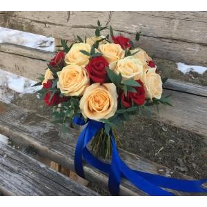 Купить свадебный букет из роз в Комсомольске-на-Амуре
