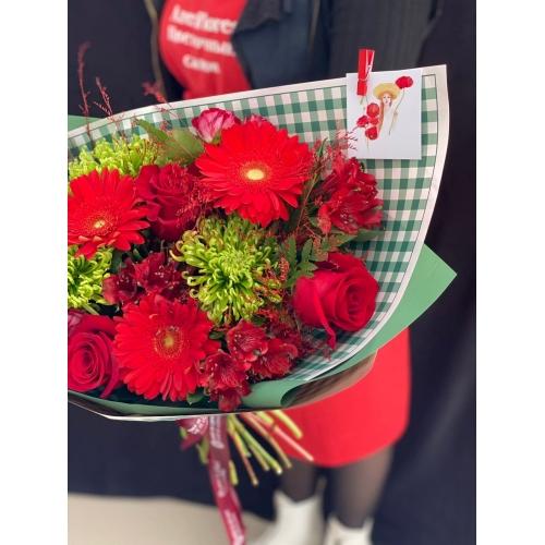 Купить букет «Lady in Red» с доставкой в Комсомольске-на-Амуре