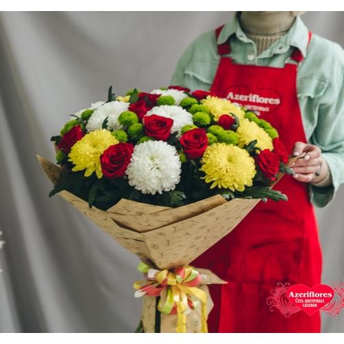 Купить букет «Первая любовь» из роз и хризантем в Комсомольске-на-Амуре