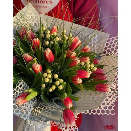 Купать букет «Весеннее настроение» с доставкой в Комсомольске-на-Амуре
