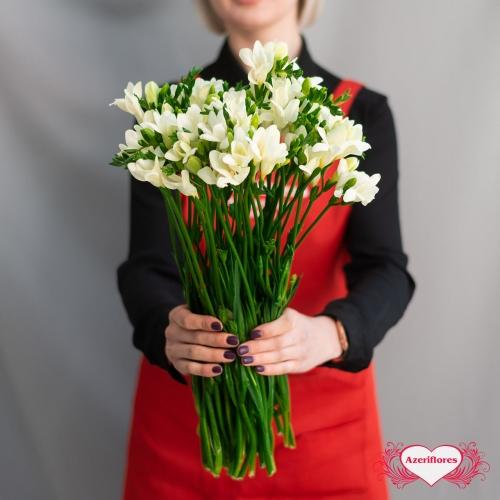 Купить фрезию с доставкой в Комсомольске-на-Амуре