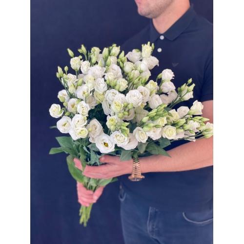 Купить Лизиантус (Эустома) - белого цвета поштучно с доставкой в Комсомольске-на-Амуре